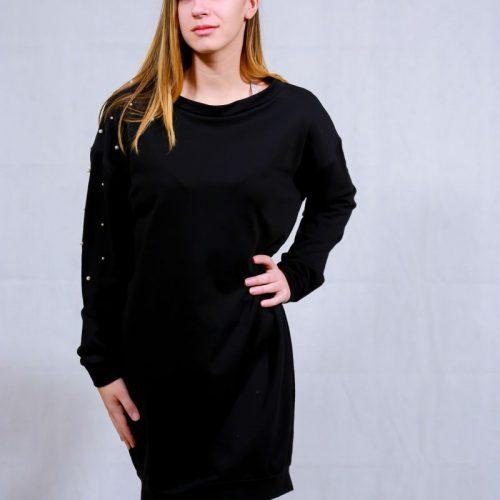 Casual black dress & pearls